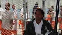 Kvinnelige betjenter på vakt Program
