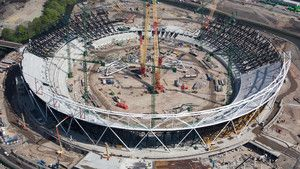 Gigantiska byggnader: Londons Olympiastadion foto