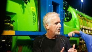 James Cameron: Cesta na dno Země fotografie