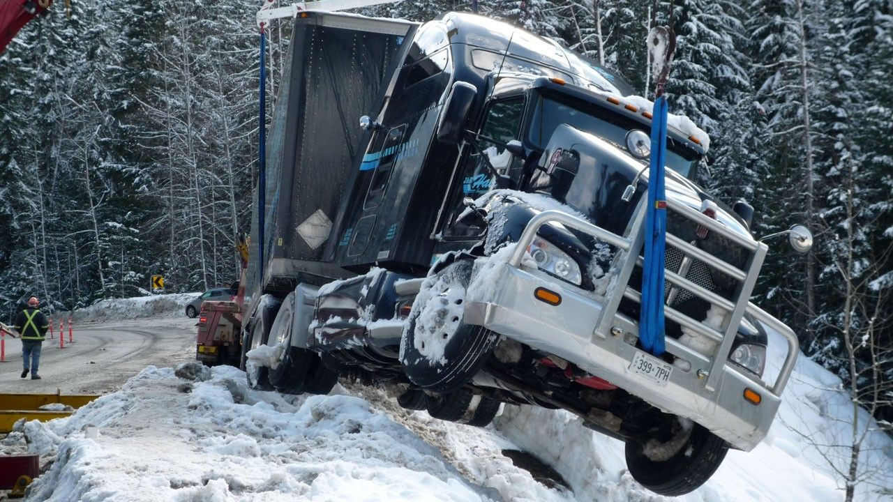 Hellish Roads Photos Highway Thru Hell National Geographic Channel ...