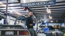 إعادة تشغيل سيارة ديلوريان برنامج