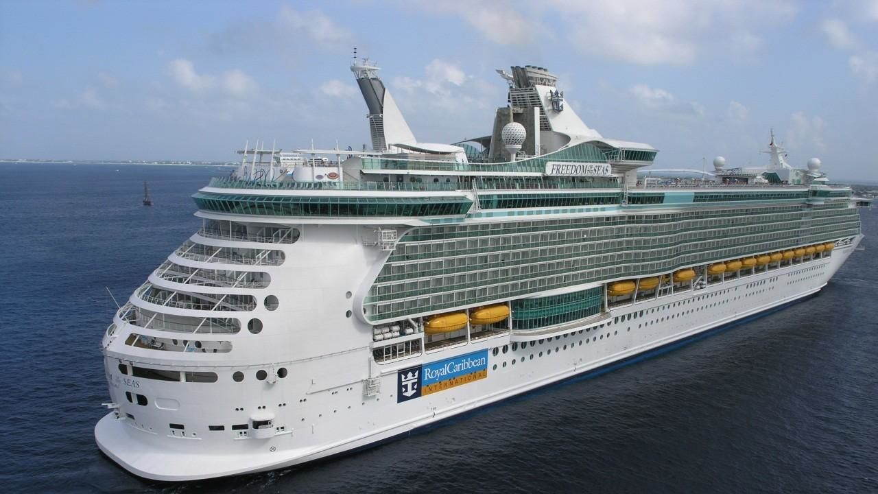 Biggest cruise ships in the world 2015 frankfurt