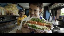 Man vs Food: diario di un carnivoro programma