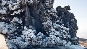Wulkaniczny pył: Kulisy erupcji wulkanu na Islandii