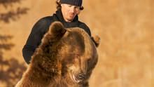Casey & Brutus: Grizzly Encounters show