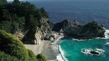 Divoké kalifornské pobřeží pořad