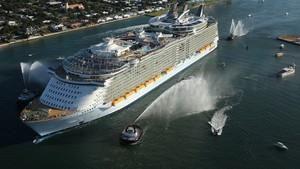 偉大工程巡禮: 海洋綠洲號 Megastructures: Oasis At Sea