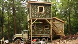 البناء في البرية