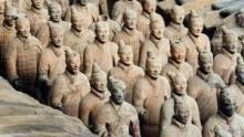 中國的巨墳 節目