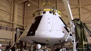 Bi-Lingual Uzay Aracı fotoğraf