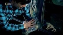 Dévérouiller la portière d'une voiture à l'aide de papier alu Voir la fiche programme