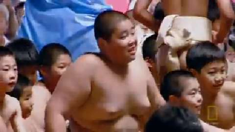 Sumo kids meet sumo superstars
